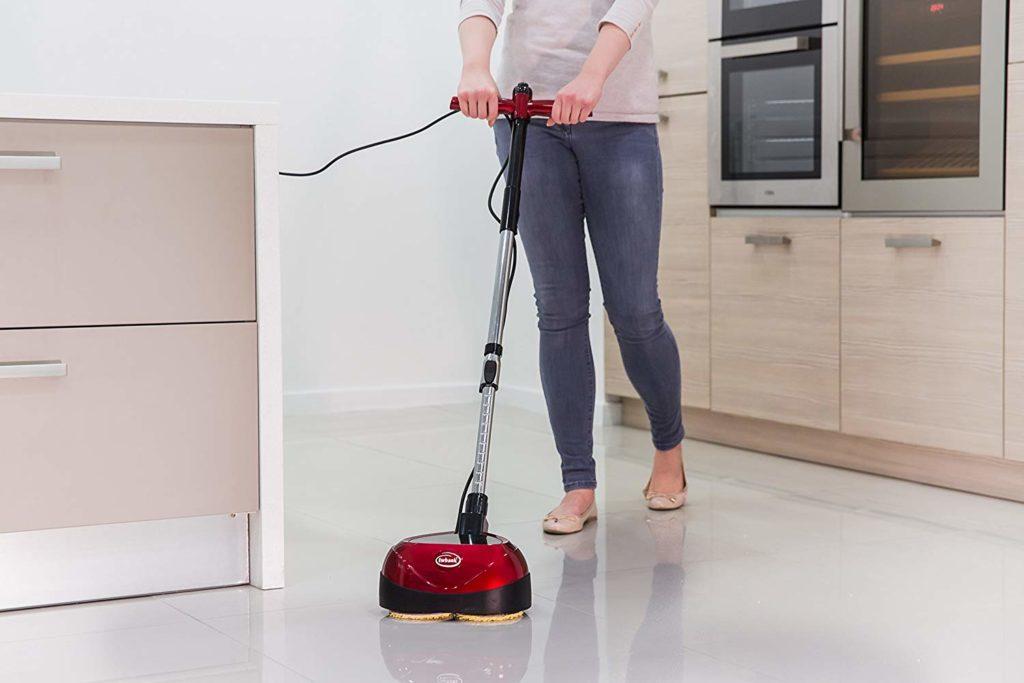 come usare lucida pavimenti